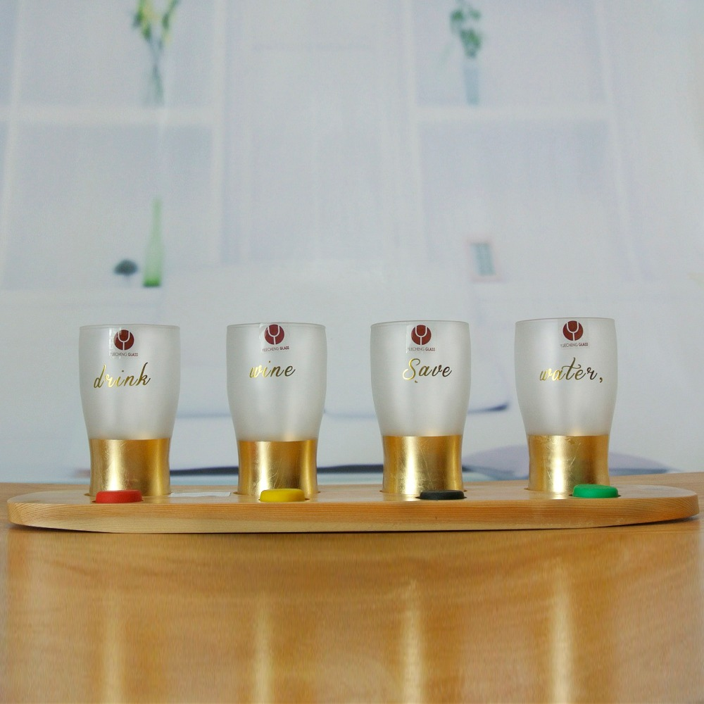 Set 4 beer pint glass tasting set with wooden paddle wholesale