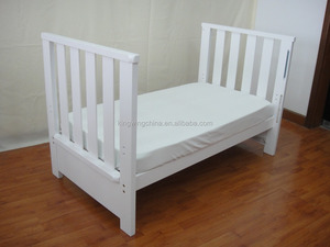 4 in 1 Classic Pine Wood baby cot bed /crib