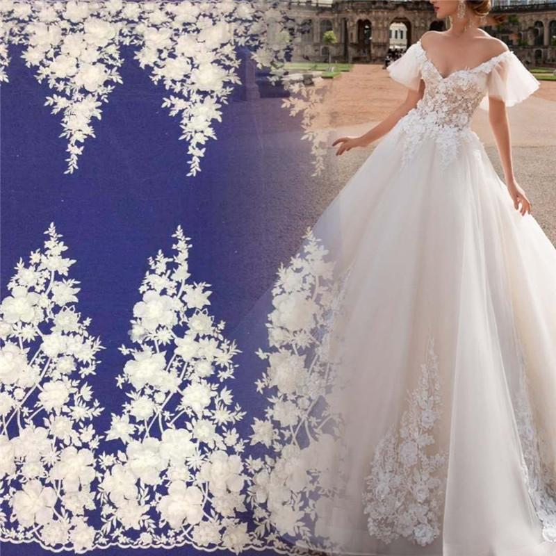 การออกแบบใหม่สีขาวลูกปัด 3D ดอกไม้สุทธิตาข่ายเย็บปักถักร้อยลูกไม้ผ้าด้วยลูกปัดชุดแต่งงานเจ้าสาว