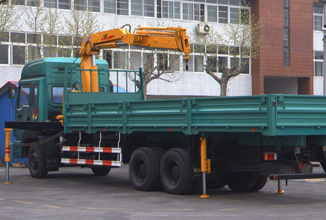 truck mounted crane for sale SQZ160-4 lifting Machinery