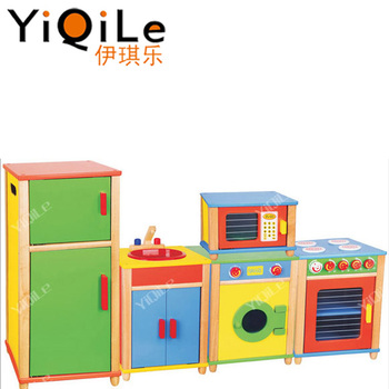 Design Kids Wood Toy Kitchen In