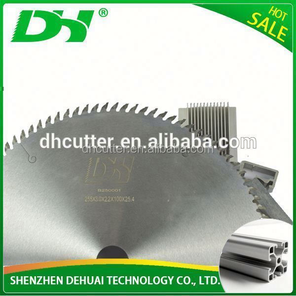 Carbide tip and alloy angle are designed for aluminum cutting Tct saw blade circular disc