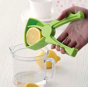 Plastic Lemon Orange Citrus Juicer Lemon Squeezer / Orange Juice Maker Fruit Presser / Lemon Handheld Press Juicer