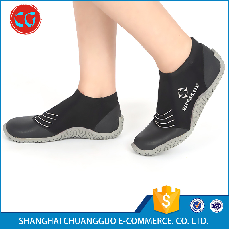 Cost Efficiency Wholesale Protect Cold Water Sports Diving Shoes Women