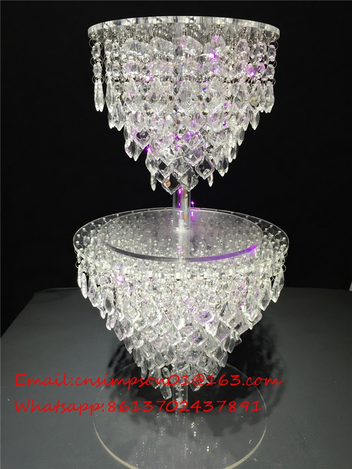 wedding cake stand with hanging crystals acrylic wedding chandelier cake stand buy 25684