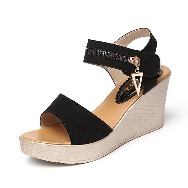 a6eded2ad Moda Preto Sandálias de Verão Para As Mulheres Sandálias de Cunha Material  PU Peep Toe Plataforma