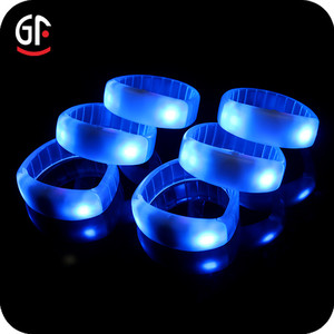 Night Club Accessories 433/868/915MHz Silicone LED Bracelet RFID Remote