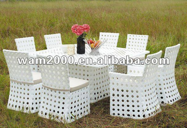 Garden rattan dining table and chairs for outdoor