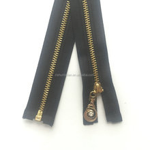 2017 hot selling quality rubber zip slider and nylon zipper puller