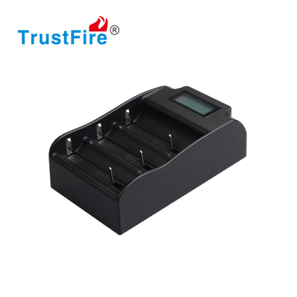 TrustFire lithium battery charger with LCD,D cell charger charge three batteries, TR-008 Intelligent Car Battery Charger CE FCC
