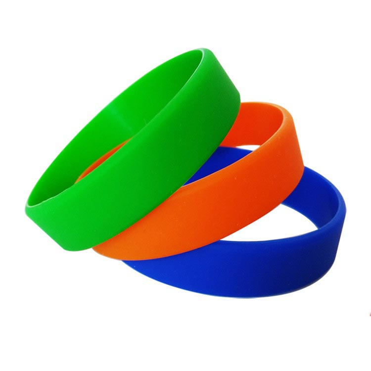Custom single color sport Silicone Bracelets Luminous wristband with youth size
