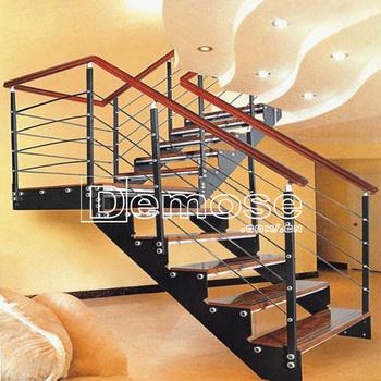 Interior escaleras madera fotos escaleras hierro forjado for Escaleras de madera y hierro para casas