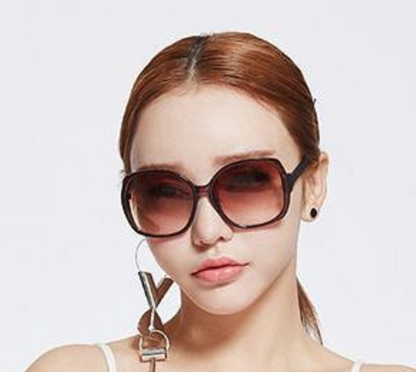 Premium quality simple style purple lens Sunglasses for elegant big eye beautiful cute sexy girls women eyeglasses eyewear