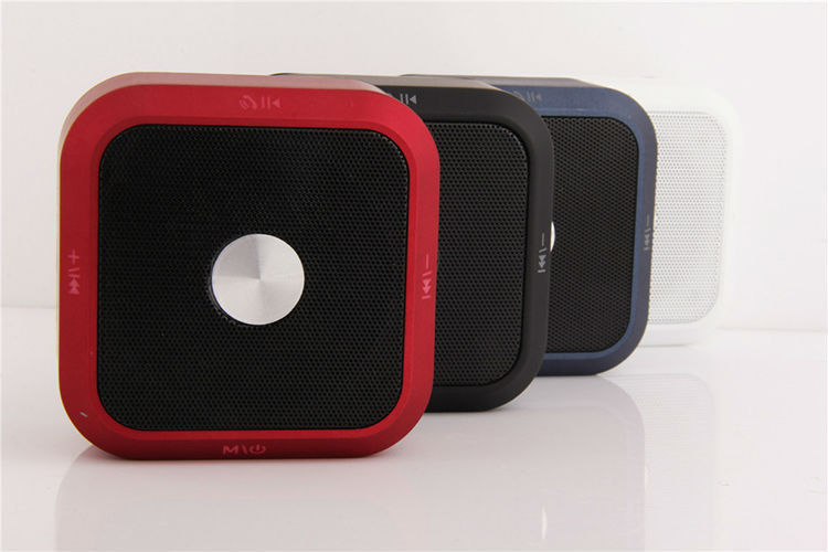 New Handsfree Calling Speaker Built-in Mic, 3.5mm Audio Port, Rechargeable Battery Bluetooth Speaker for Indoor & Outdoor Use