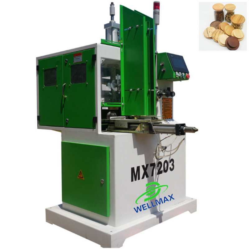 Woodworking machine for column capital