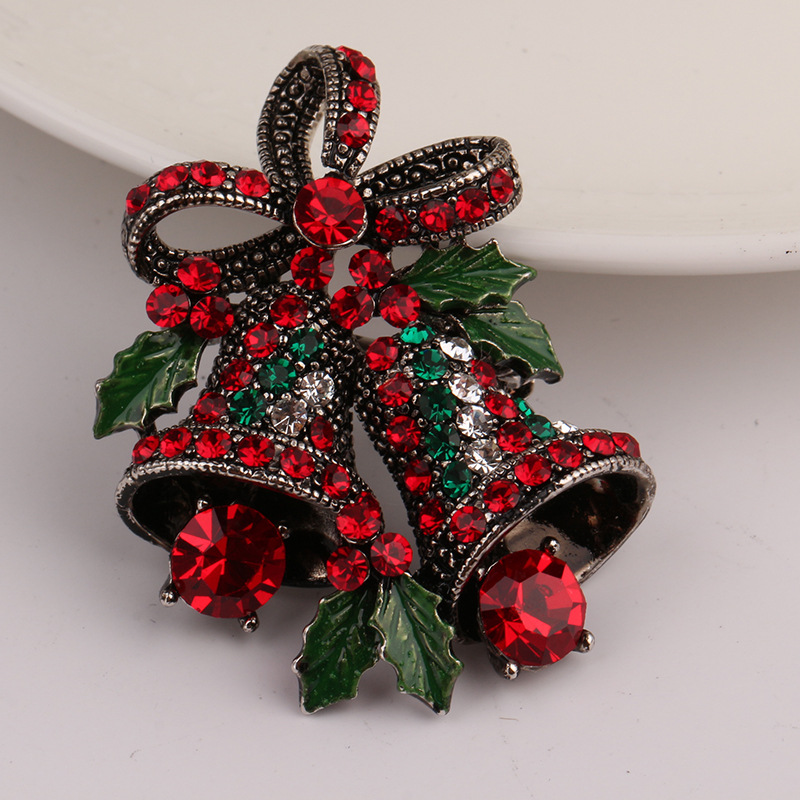 bddb1689a47 China Yiwu Christmas Brooches