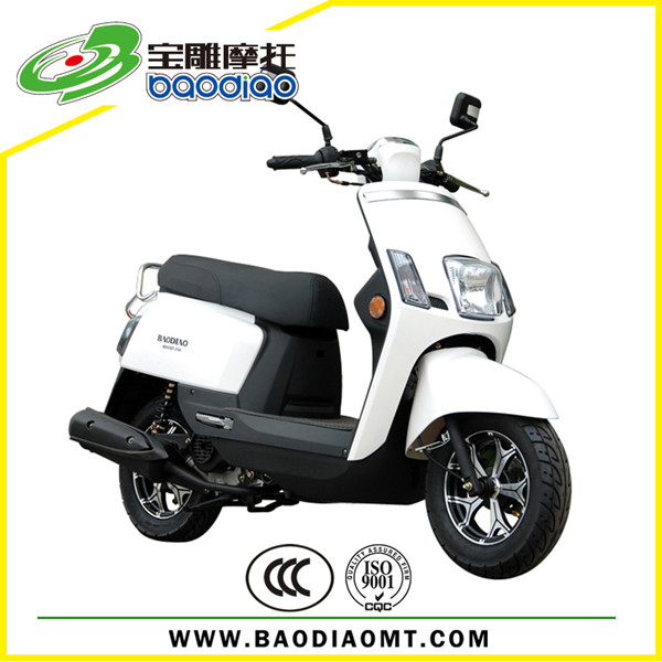 What companies manufacture 50cc motor scooters?
