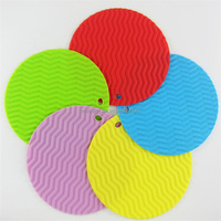 2016 Newest design colorful ripple hot pot/plate holder silicone table mat