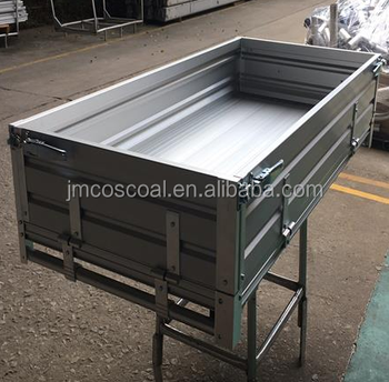 Durable aluminium extrusion tray for utility vehicle