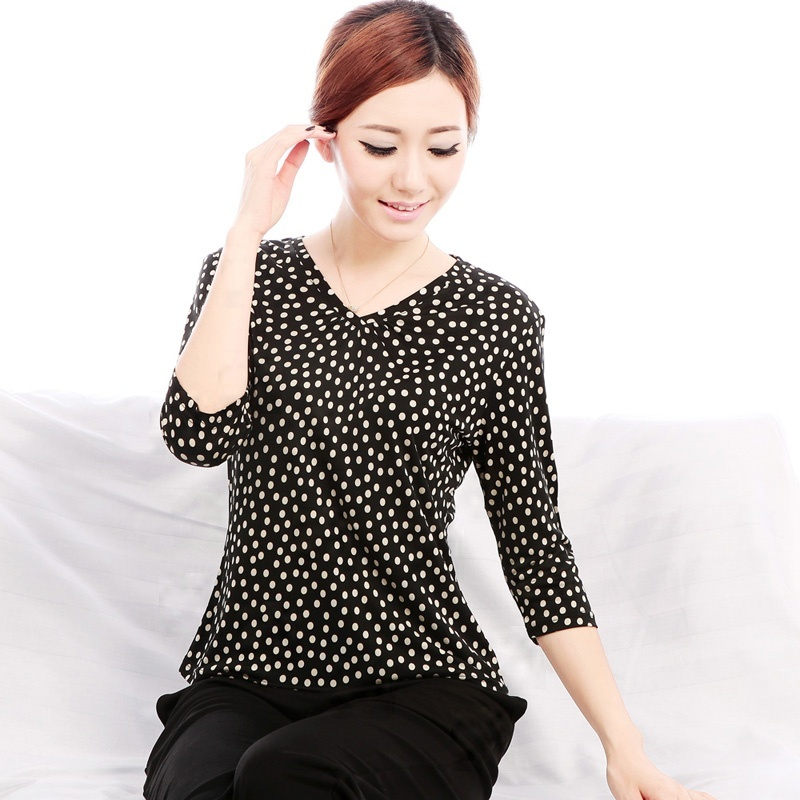 09819e0a3e647 Get Quotations · 100% silk woman dress Women s mulberry silk knitted silk  V-neck three quarter sleeve