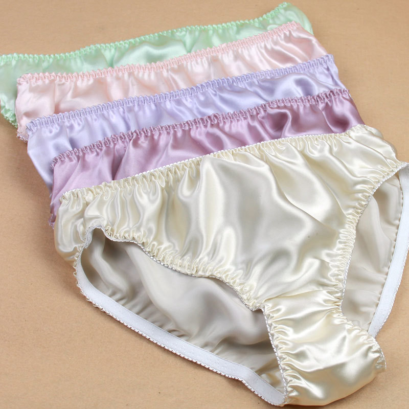Women In Satin Panties 110