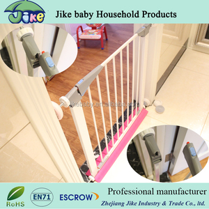 Auto Close dog safety door Hot Sell New safety gate baby