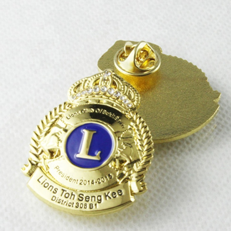 Hot Selling New Design The Lion Club Metal Badge