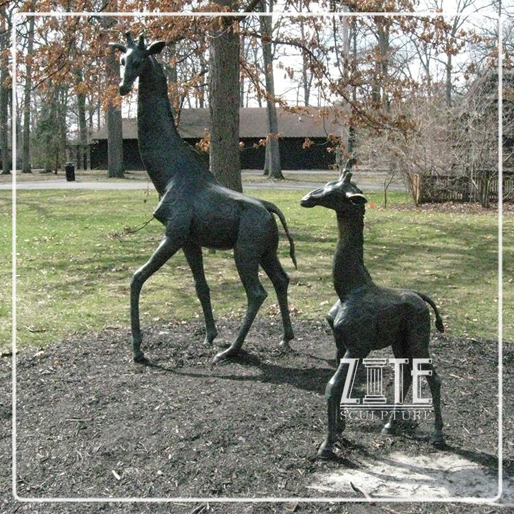 Outdoor Garden Ornament Copper Giraffe Statue