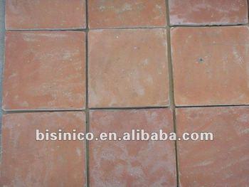 Antichi pavimentiin terracotta piastrelle di ceramica agriturismo