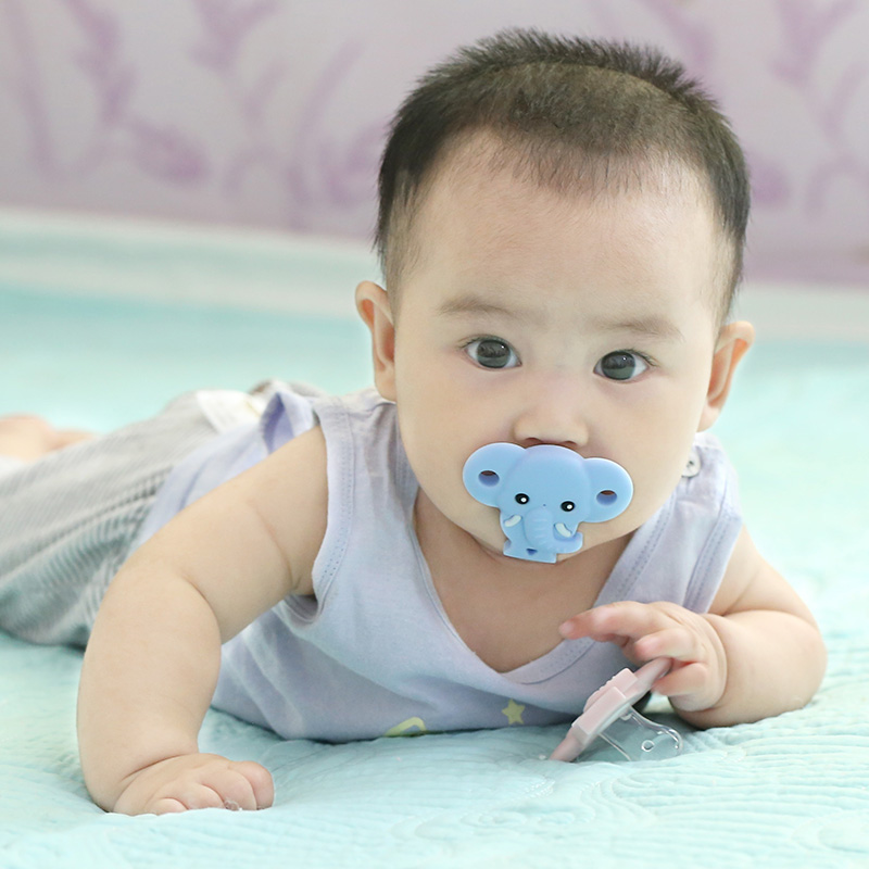 China Supplier New Product 100% Food Grade Silicone Natural Baby Pacifier Wholesale