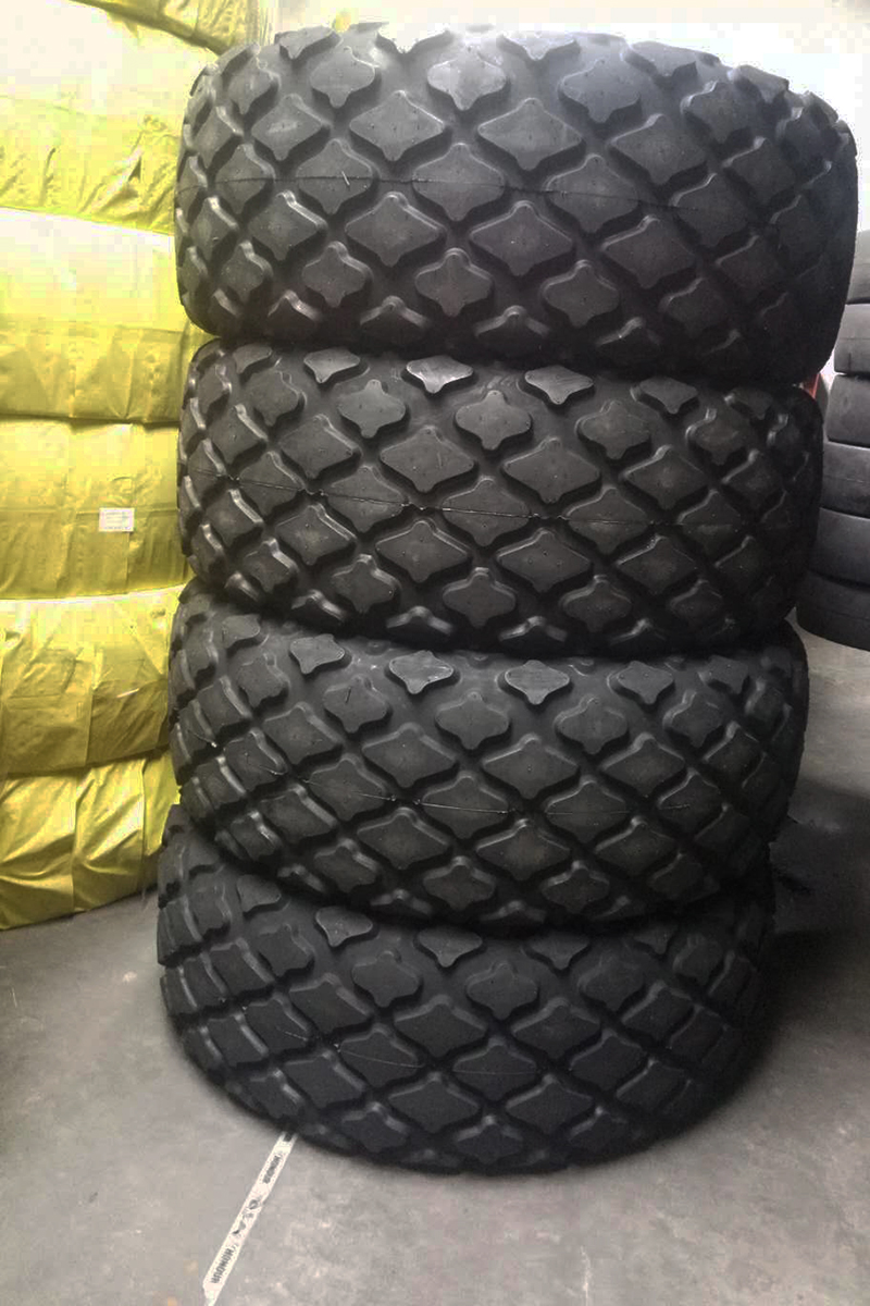 Industrial Tractor Tire 28L-26 for Compactor