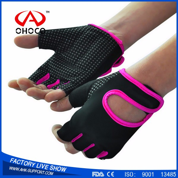 2017 High Quality Men Gym fitness <strong>gloves</strong>, half finger Sports <strong>Gloves</strong>