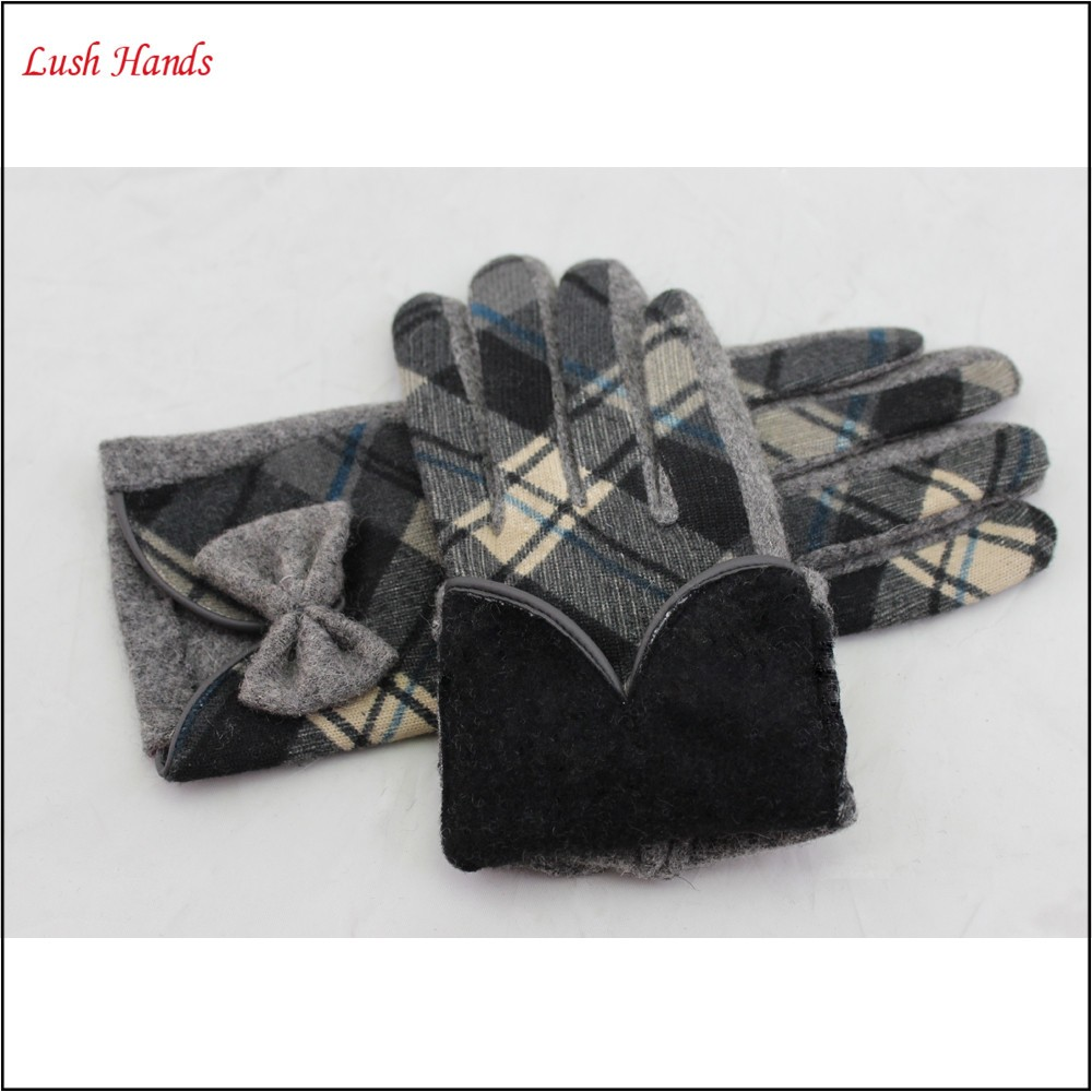 ladies winter warm touch screen woolen hand gloves with bow