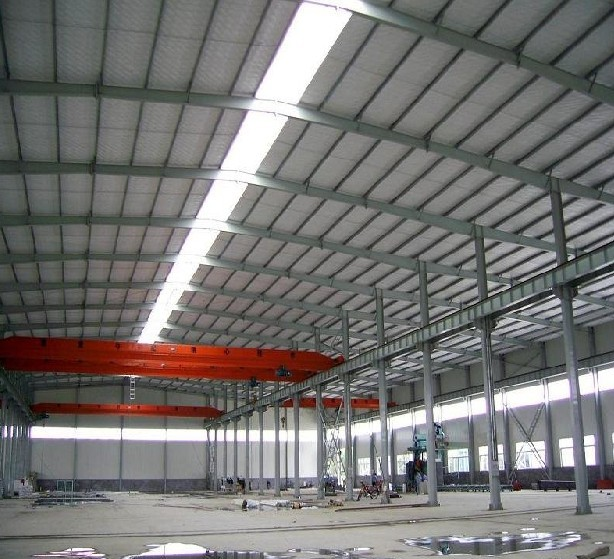 high quality prefabricated heavy steel warehouse with skylights