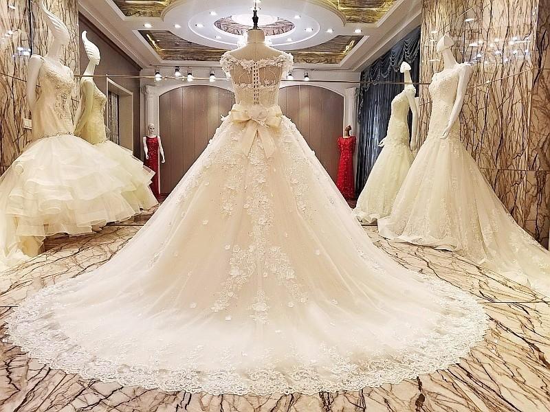 LS95578 guangzhou groß großhandel schöne foto spitze ballkleid ...