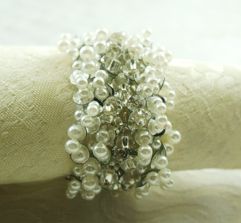 competitive prices fashion pearl napkin ring for wedding , cheap beaded napkin holder, decoration wedding napkin ring