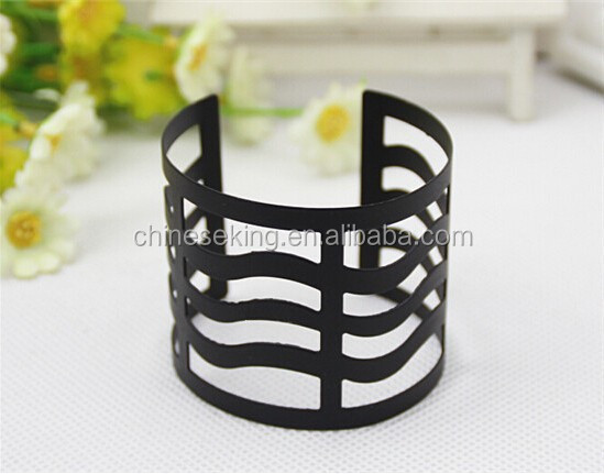 yi wu black metal bangle jewelry sexy lady's punk style gold hollow bangle arm cuff from yi wu