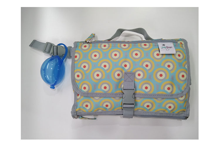 Detachable diaper clutch baby diaper changing pad portable