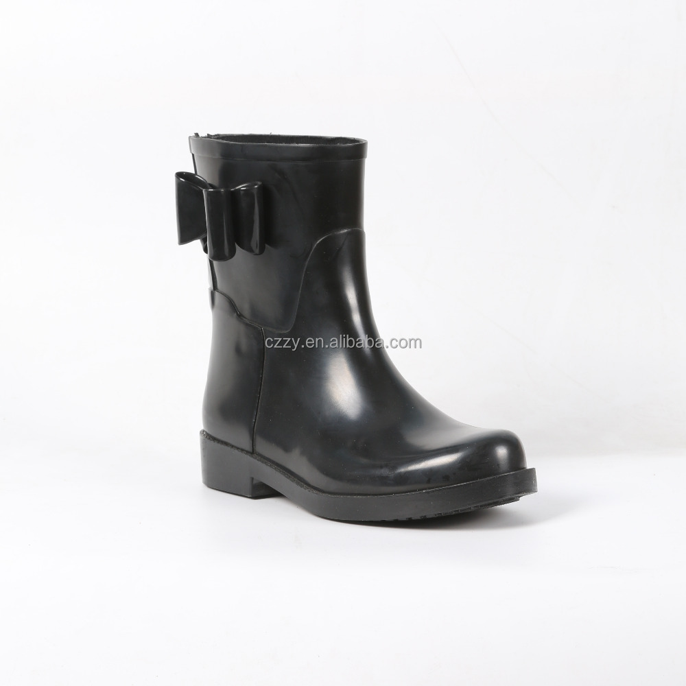 short bow rubber boot