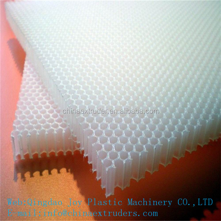 Carriage board with pp honeycomb panel production line