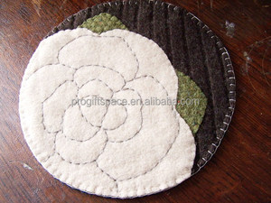 2018 hotsale China factory eco friendly product wholesale felt rose flower table coaster polyester placemat cup dinner plate mat