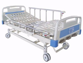 AG-BMS007 economic healthcare medical therapy equipment 3 crank manual hospital bed for sale supplier
