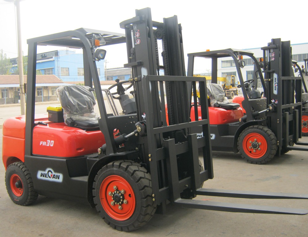 Diesel motor 3 ton diesel forklift with 3m lifting height for Forklift motor for sale