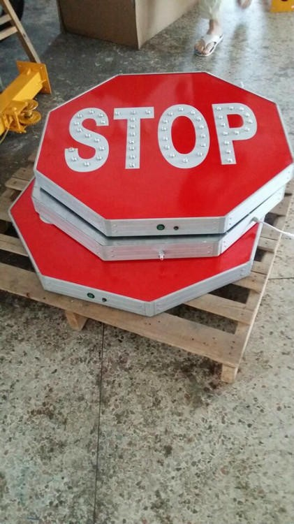 Solar Traffic Road Stop Signs With Led Lighting View
