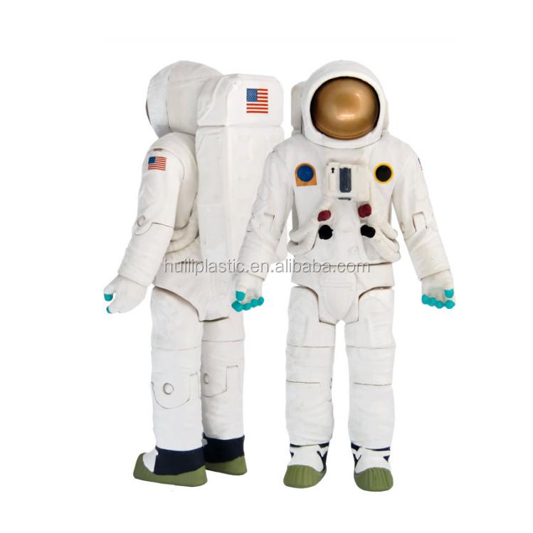 plastic astronaut figurines - 749×749