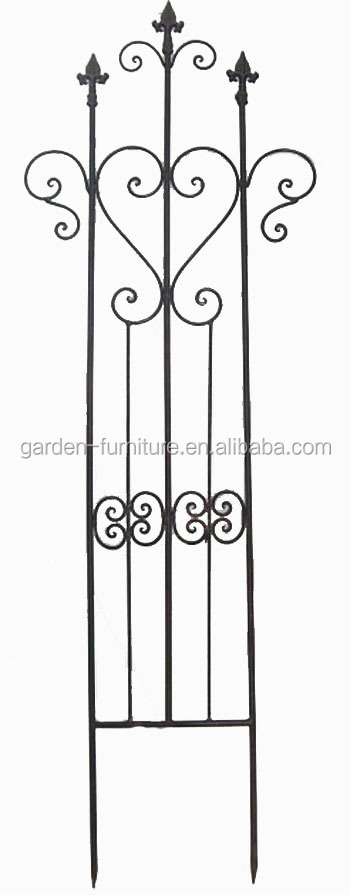 Short Metal Garden Fence Painted White Outdoor Lawn Edging ...