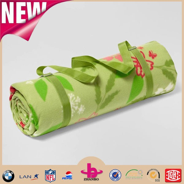 Supply new arrival super soft roll up Polar Fleece picnic blanket/waterproof roll up travel outdoor blankets with shoulder strap
