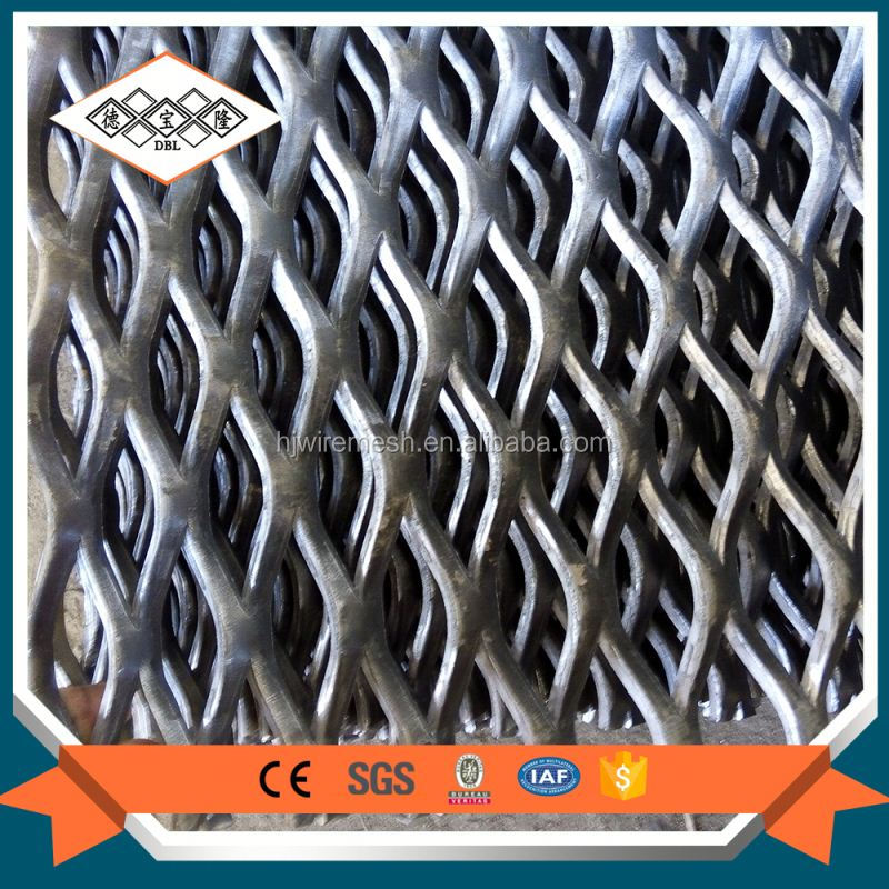 Non slip electro galvanized perforated technique expanded metal mesh