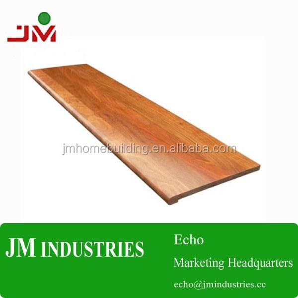 Hout traptreden leeg bord trap traptrede met soort van for Dikte traptreden hout