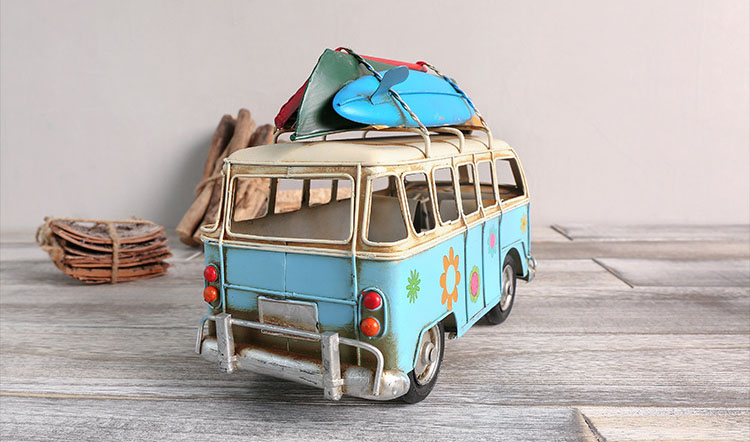 Iron Retro Bus Figurines Metal Bus Model Vintage Beach Bus Miniatures With Skateboard Home Decor Craft For Kids Gift